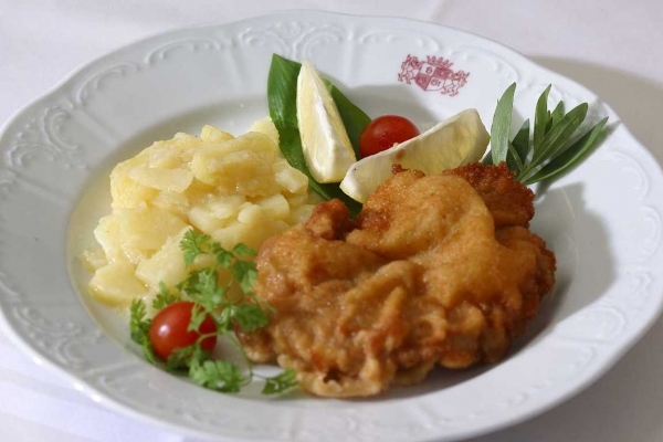 Viennese cuisine with history the wiener schnitzel for Austrian cuisine history