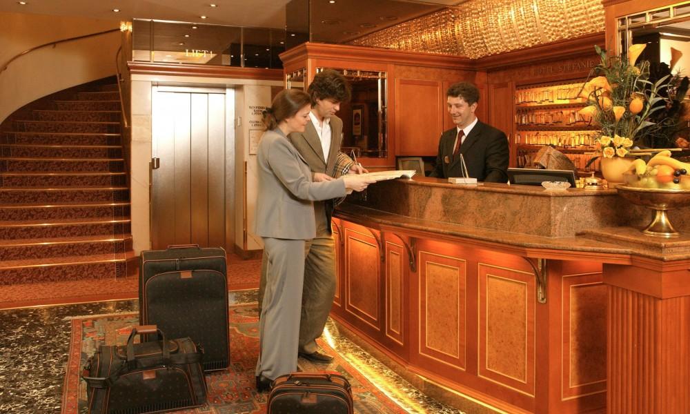 Hotel Stefanie Reception