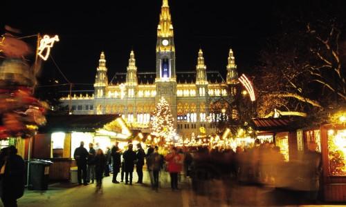 Christmas market Rathausplatz Vienna
