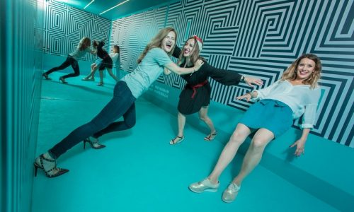 Anti-gravitation room(c)Museum of illusions