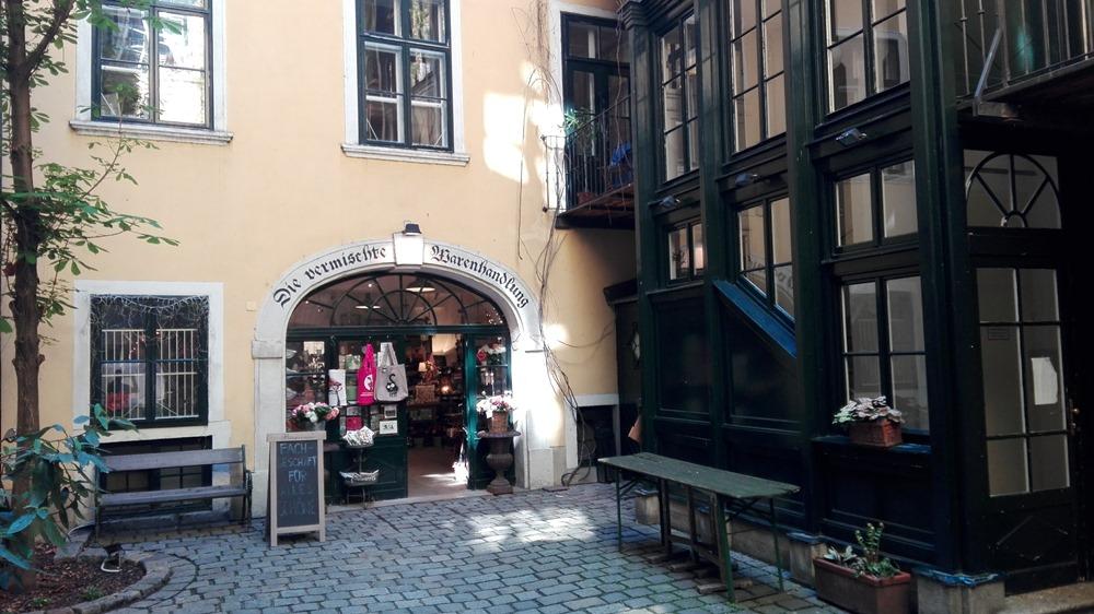 Eingang im Innenhof