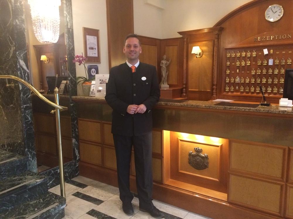 Reinhard Dolsek stv. Front Office Manager Hotel Erzherzog Rainer