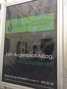 Dialog im Dunkeln - im Schottenstift