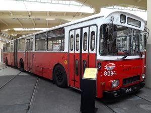 Bus aus dem Fluss - 8084
