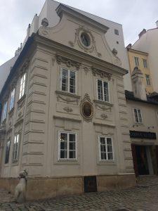 Drei Mäderl Haus am Mölker Steig