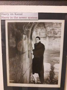 Harry im Kanal ©3. Mann Museum